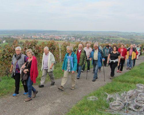 Freie Plätze für Wanderwoche im Fuchshof und 1. Mai Wanderung